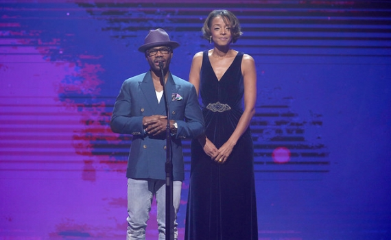 Kirk Franklin spotlights Hope for Students at the 47th Annual Dove Awards